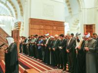 نائب جلالة الملك يشارك جموع المصليين أداء صلاة الجمعة