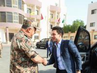 ولي العهد يزور القيادة العامة للقوات المسلحة