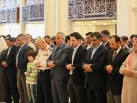 ولي العهد يشارك جموع المصلين أداء صلاة الجمعة في مسجد الشيخ زايد بن سلطان آل نهيان في العقبة