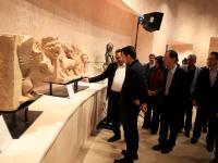 مندوبا عن الملك، ولي العهد يفتتح متحف البترا