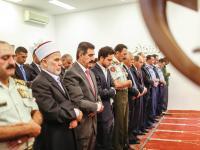 نائب الملك يؤدي صلاة عيد الفطر في مسجد الحرس الملكي الخاص بالعقبة