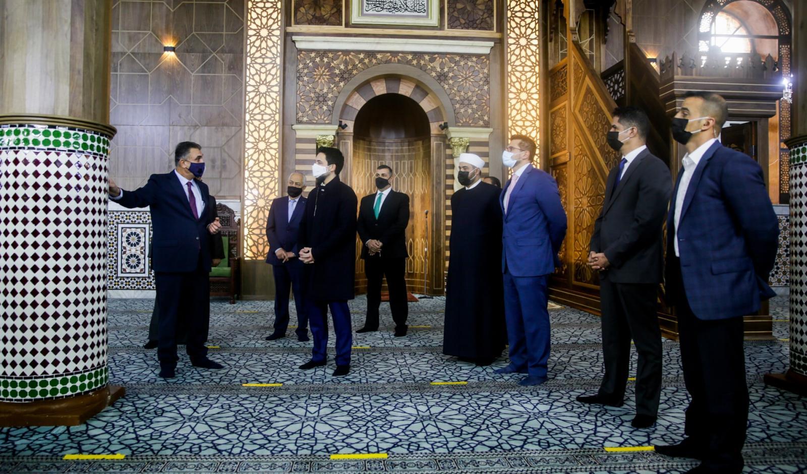 Crown Prince checks on Al Husseini Mosque renovation project