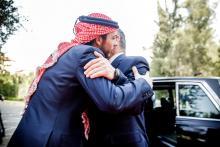 سمو الأمير الحسين، ولي العهد في استقبال جلالة الملك عبدالله الثاني خلال الاحتفال بعيد الاستقلال الـ 69 - أيار 2015