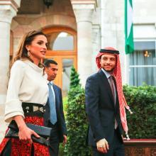 جلالة الملكة رانيا العبدالله وسمو الأمير الحسين بن عبدالله الثاني، ولي العهد خلال الاحتفال بعيد الاستقلال الـ 69 -  أيار 2015