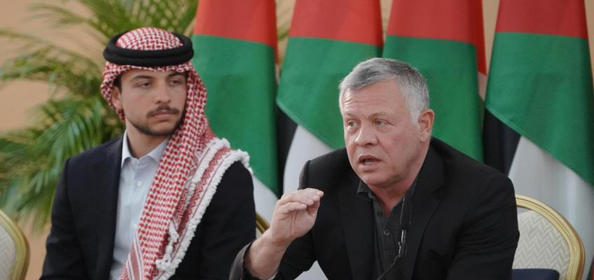 King, accompanied by Crown Prince, visits Mafraq, meets with its key figures