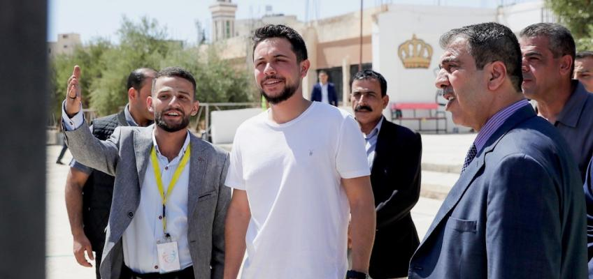 Crown Prince joins volunteers at national public school maintenance campaign in Mafraq, part of Urdon Al Nakhwa initiative
