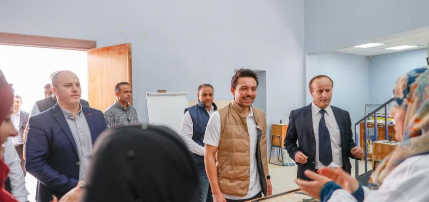 ولي العهد يطلع في زيارة مفاجئة على برامج معهد مادبا لفن الفسيفساء والترميم