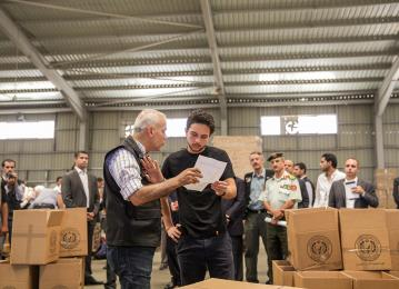 Crown Prince oversees dispatch of an aid convoy to Gaza